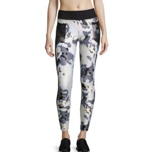 Koral Floral Magnifying Leggings Size Small